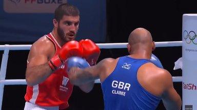 ОИ-2020 | Родившийся в Москве французский боксер устроил грандиозный скандал на Олимпиаде и час просидел на ринге