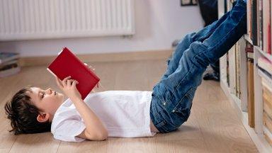 Kooliaeg kohe käes! Olulised muudatused, mida võiks lapse toas läbi viia, et õppimine ikka sujuks