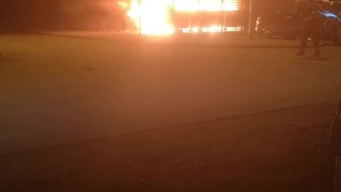 ВИДЕО | Вот это огонь! Смотрите, как горели мусорные баки в Ласнамяэ