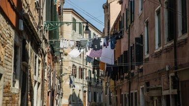 Veneetsias, gondli ja doodžideta