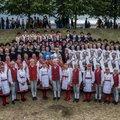USKUMATU! TÜ Rahvakunstiansambel pani kokku kõigi 2300 tantsija nimed, kes 75 aasta jooksul alma materis pastlaid sahistanud