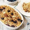 RETSEPT | Kook hommikusöögiks? Jah, palun! Küpsetatud kaerahelbepuder on tervislik ja tõeliselt maitsev!