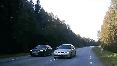 ВИДЕО | Повезло: водитель BMW чудом не врезался во встречный автомобиль