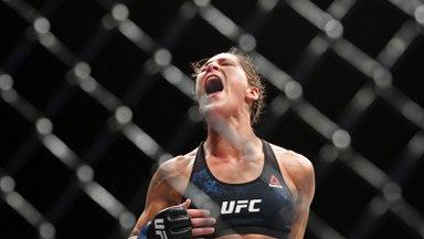 Девушка дня | Боец UFC показала татуировку на откровенном фото