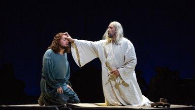 """""""Boriss Godunov"""" Metropolitanis. Kui Ain Anger lavale astus, sai kõik selgeks"""