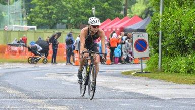 Milline on ratturi ja triatleedi hooaja treeningplaani ülesehitus võistlusspetsiifikast lähtuvalt?