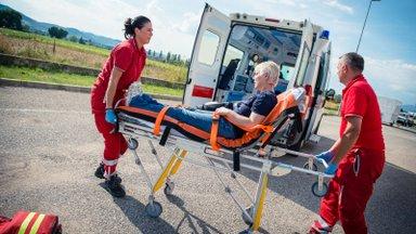 Почему женщины часто не замечают инфаркт и какие у них бывают симптомы? Объясняет кардиолог Ида-Таллиннской центральной больницы