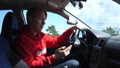 VIDEO   Räägid ikka autos telefoniga, seade kõrva ääres? Vaata, kuidas teha auto nutivabaks!