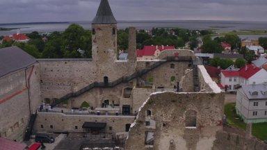 VIDEO | Täna taasavatud Haapsalu piiskopilinnuse muuseumi vaateplatvormilt avanevad lummavad vaated
