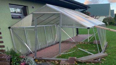 FOTOD | Nädalavahetuse torm lennutas katuseid ja kasvuhooneid