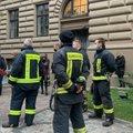 VIDEO   Läti seimi juures protestisid sundvaktsineerimise vastu päästjad ja nende toetajad