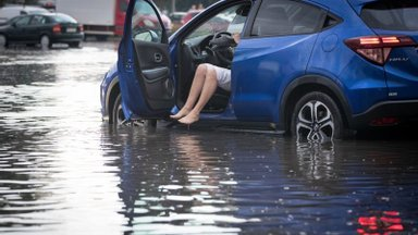 Кругом вода: почему дожди в Таллинне приводят во многих районах к потопам?