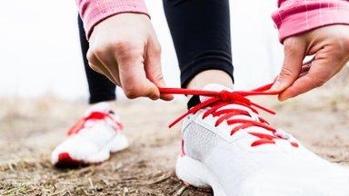 Saalitrennijalatsiga jooksma minnes võib kergesti küüned kaotada! Miks on tähtis kanda harrastusele vastavat varustust