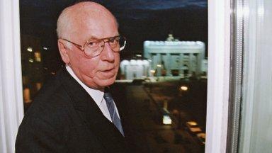 VIDEO   Kuidas ajakirjaniku detektiivitöö viis Lennart Meri kokku 60 aasta taguse koolivennaga Berliinist