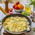 RETSEPT | Kogu pere lemmikroog 15 minutiga ühes potis valmis: pasta kana-koorekastmes
