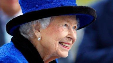 """""""Человеку столько лет, на сколько он себя ощущает"""". Елизавета II не захотела стать """"старушкой года"""""""