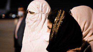 Afganistani naise esimesed tööpäevad Talibani võimu all: kõik, mida näen, on turbanid, habemed ja relvad