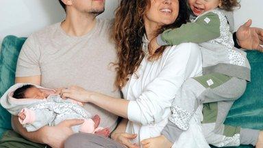 Teele Viira teisest sünnitusest: Adeele tuli suure pauguga! Tunne oli, et mu pea lükati vee alla, siis anti hetk hingetõmbeks ja pidin uuesti sukelduma
