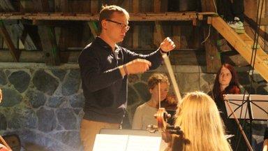 Dirigent Kaspar Mänd: mõte legendaarse Ruja lugudest koos sümfooniaorkestriga tekitab ootust ja põnevust