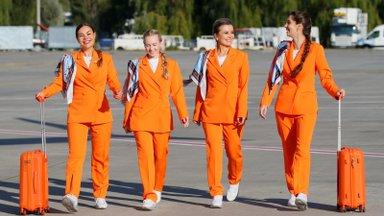 VIDEO   Hüvasti seelikud ja kontsakingad - lennufirma pani stjuardessidele jalga tossud