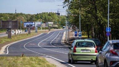 Nutitelefon roolis toob ohvreid: üha enam liiklusõnnetusi juhtub sõidurajalt välja kaldudes