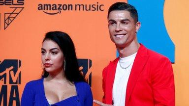 Lambad sundisid Ronaldo perekonna Inglismaal kodu vahetama
