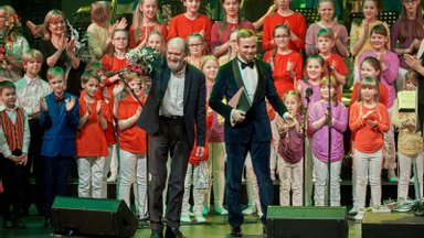 FOTOD   Kõlasid Arvo Pärdi lastelaulud, peatselt saab öisel kontserdil kuulata maestrot koos Erki Pärnojaga