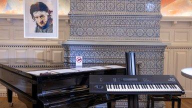VAATA | Just sellel pillil sündisid Alo Mattiiseni viis isamaalist laulu
