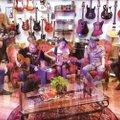 """KUULA   Ansambel Revals avaldas uhiuue singli nimega """"Jumal elab pealinnas"""""""