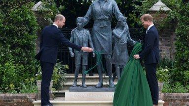 William ja Harry avasid printsess Diana mälestusmärgi. Kuidas on Diana mõjutanud kuningannat, monarhiat, moemaailma ja meediat?
