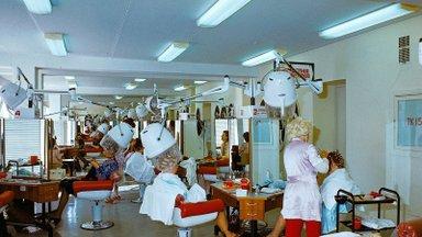 """NOSTALGIA   Tallinna Teenindusmaja oli oma aja ilumeka. Mälestusi """"teenukast"""" jagavad Eesti Naise toimetuse liikmed"""