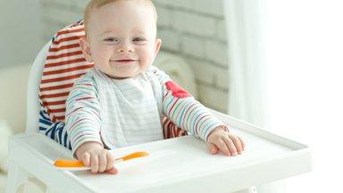 Viis põhjust, miks on väga oluline juba väikesele beebile viisakaid lauakombeid õpetada