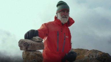 ВИДЕО   Горы как спасение. 81-летний британец покоряет горные вершины ради больной жены