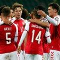 Basseinipidu: Taani jalgpallikoondislased lõbutsesid valikmängu eel koos hotelli naistöötajatega